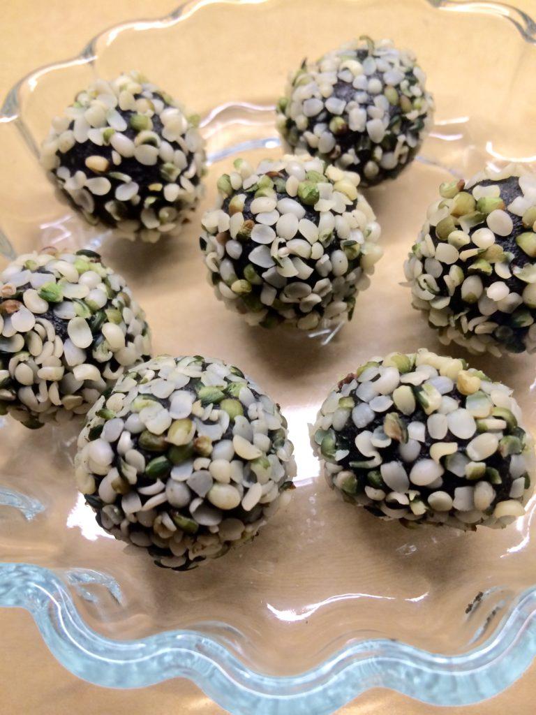 Spirulina, mint og kakao – Raw snackskuler